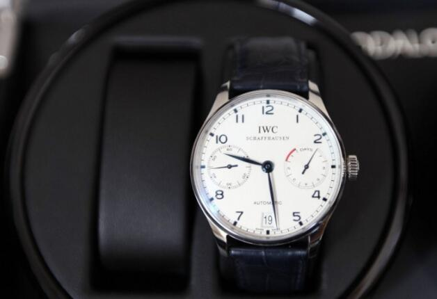 Comparison Of IWC-Portugieser Replica Watches With Genuine Ones